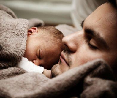 Familia monoparental y permiso por nacimiento